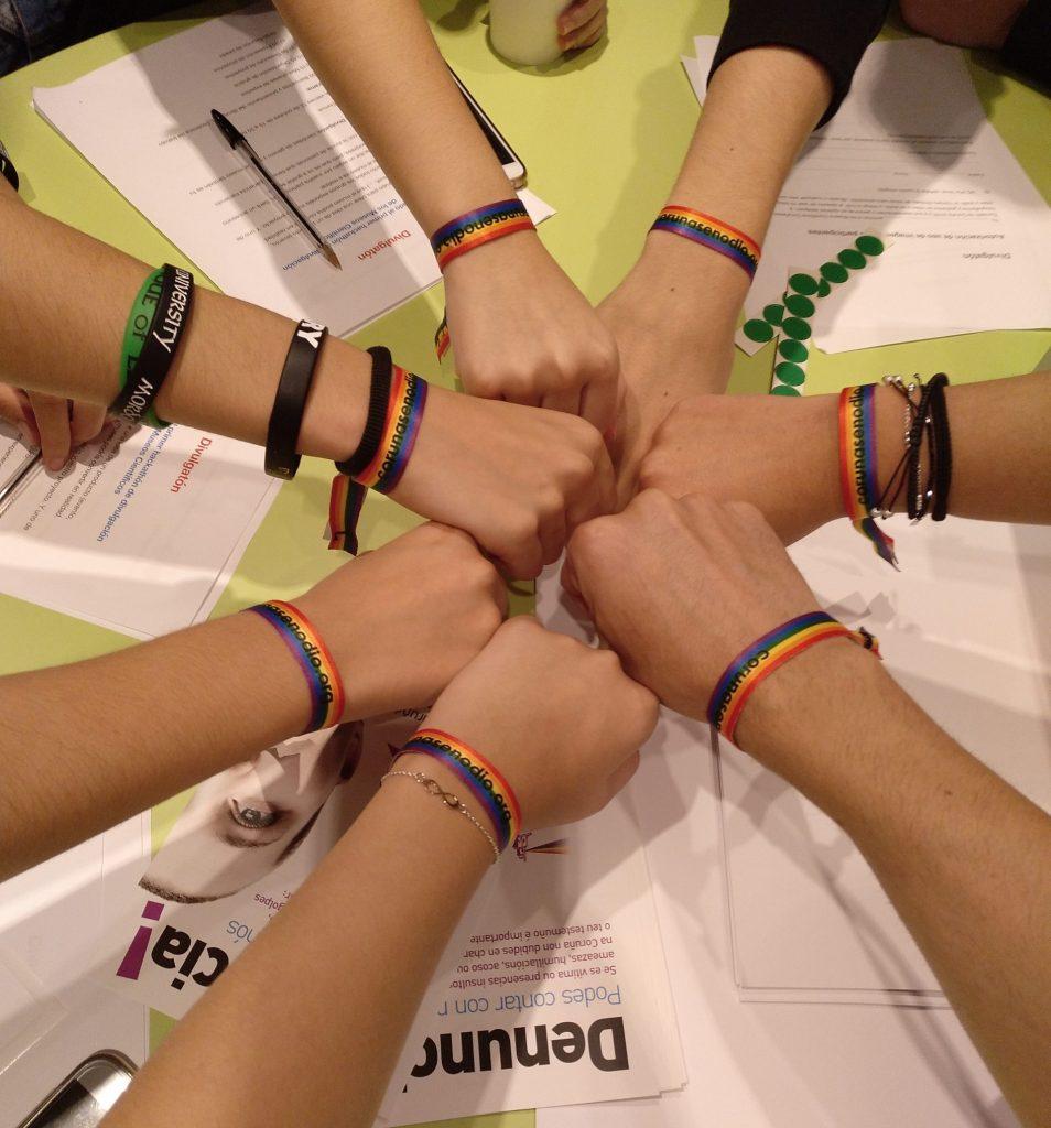 Pulseras del Observatorio Coruñés contra a LGTBIfobia